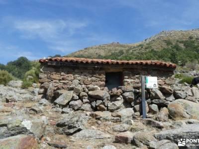 Sierra de Gredos; Barco Ávila; entrenamiento senderismo sendero rojo sendero gr 11 botas para sender